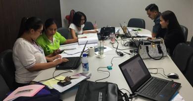 อาจารย์ประจำหลักสูตรร่วมแรงร่วมใจทำ มคอ 7 ประจำปีการศึกษา 2558